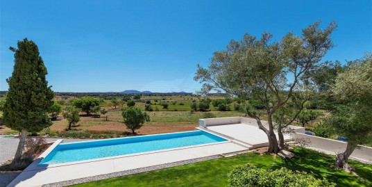 Spectacular country house in Ses Alqueries/sold
